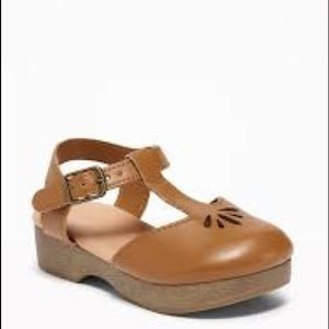 ON clogs toddler